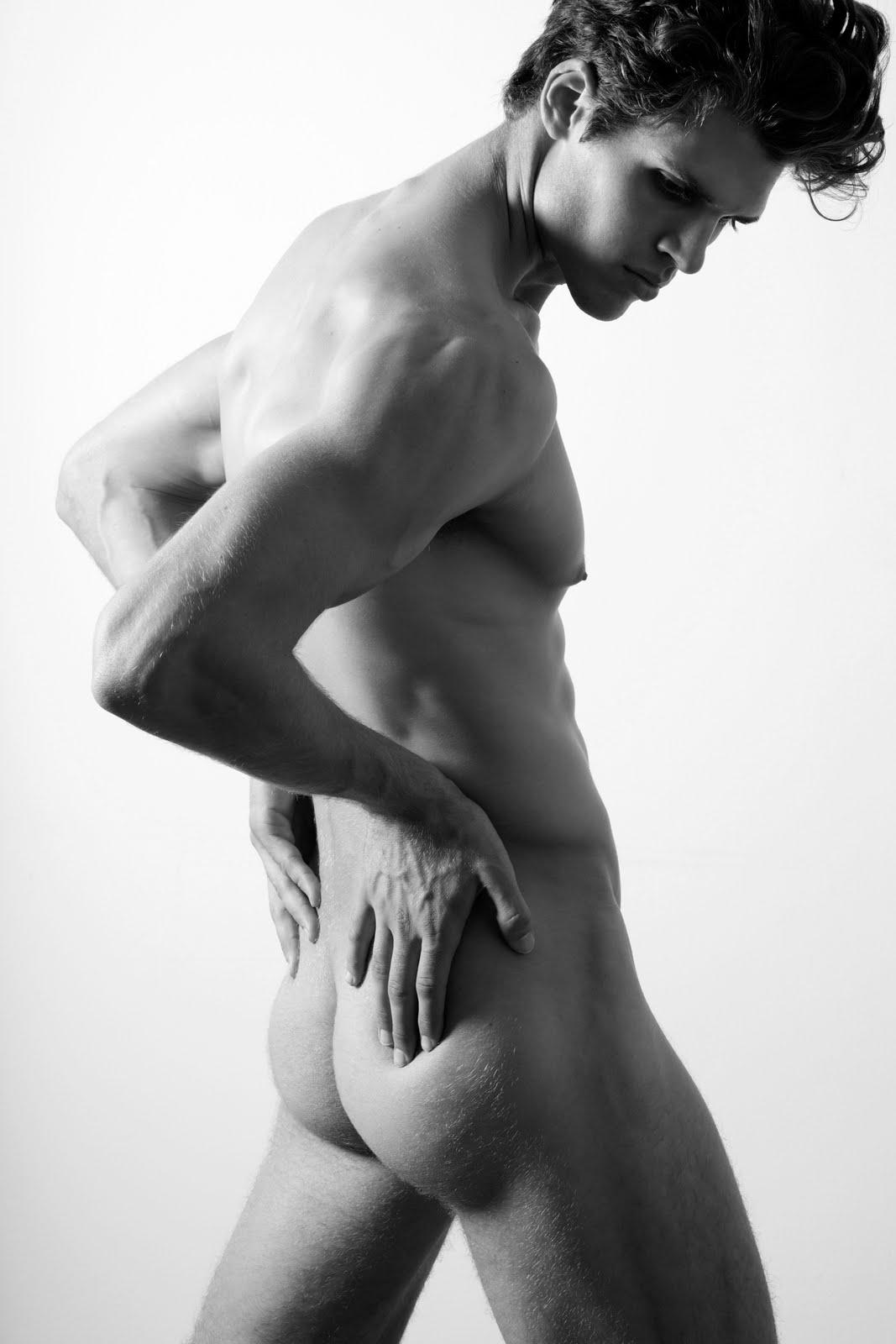 красивые мужчины голые другую спрашивает кто